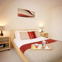 Berkshire Rooms - 1 Bedroom Apartment in Bracknell Thorpe Park packages
