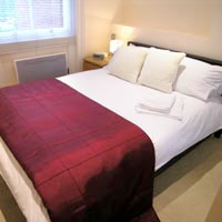 Berkshire Rooms - 1 Bedroom Property in Wokingham Thorpe Park packages