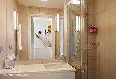 MoxyEDI Bathroom1