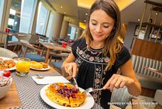 lhr hilton garden inn T2 breakfast waffle