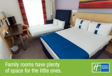 Holiday Inn Express Family room