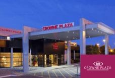 MAN Crowne Plaza hotel Exterior Front tile