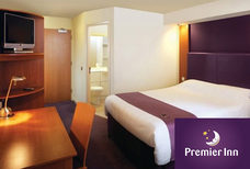 MAN Premier Inn North Bedroom