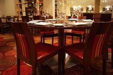 A table in the restaurant at the Marriott Windsor