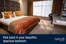 Heathrow Radisson Blu room