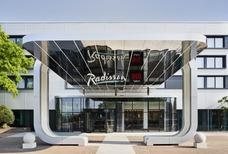 LHR Radisson gallery